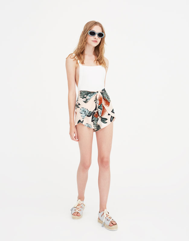 Pull & Bear - Bodysuit with straps and square-cut back - 1