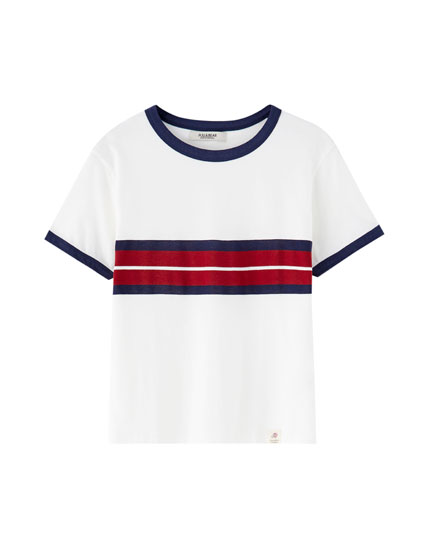 T-shirt com color block e debrum