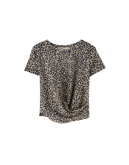 Knotted short sleeve top