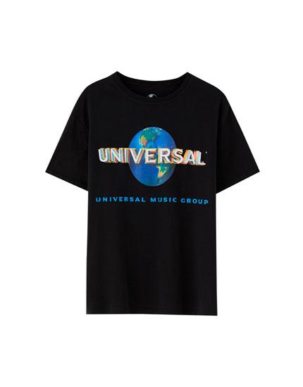 'Universal' T-shirt