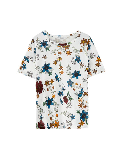 T-shirt com estampado floral all over