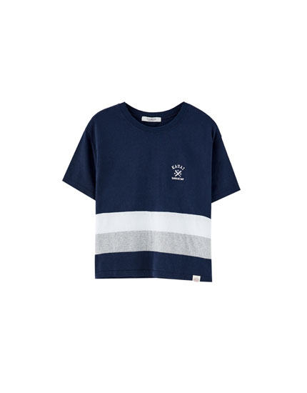 Embroidered navy blue T-shirt with panels