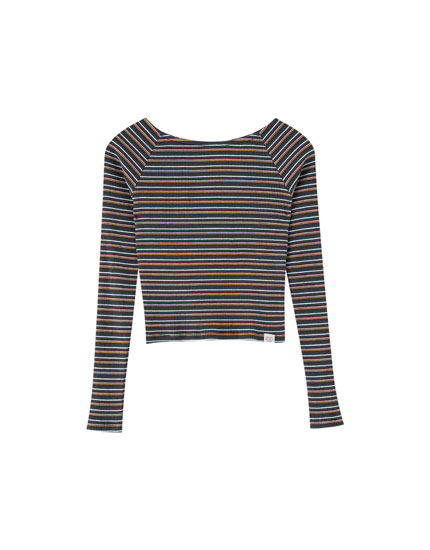Striped off-the-shoulder T-shirt