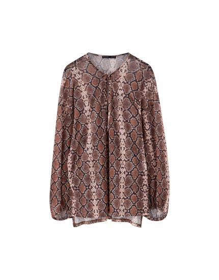 Wijde blouse met V-hals slangenprint