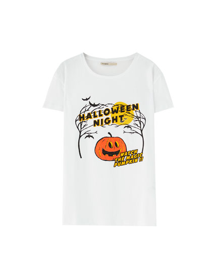 T-shirt with Halloween illustration