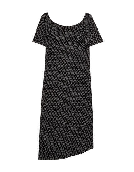 Short sleeve dress with round neckline
