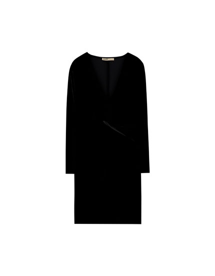 Long sleeve evening dress with knot