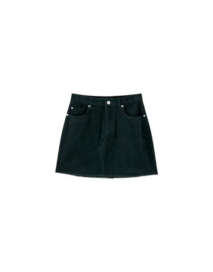 Minifalda pana bajo desflecado