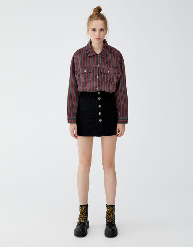 precio bajo pero no vulgar nueva productos calientes Shoptagr | Falda Denim Botones Delanteros by Pull & Bear