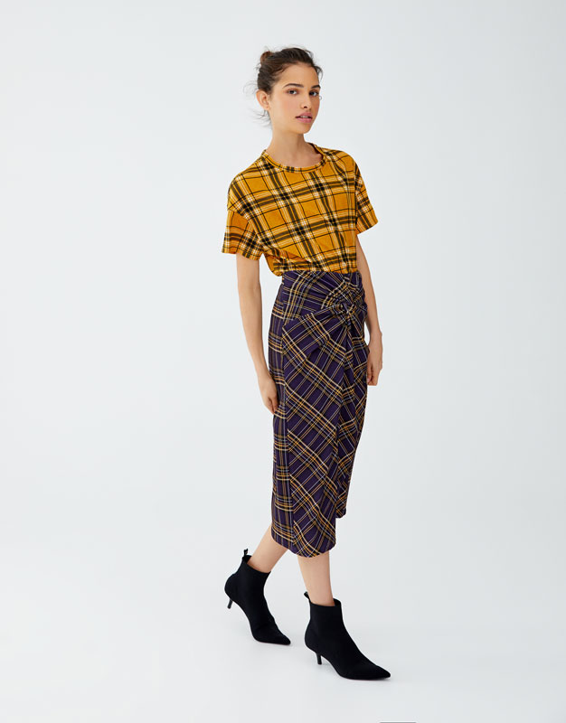 Check Skirt With Central Slit by Pull & Bear