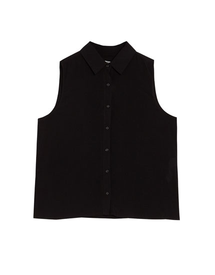 Basic sleeveless shirt