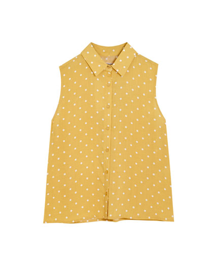 Basic sleeveless polka dot shirt