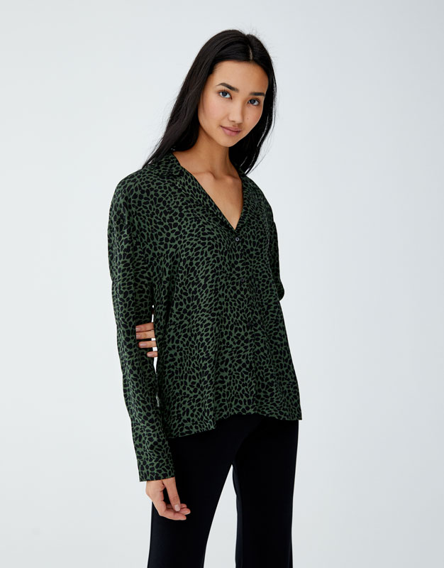 Camicia A Maniche Lunghe Stampa Animalier by Pull & Bear