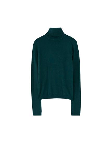 Sweater com gola alta básica