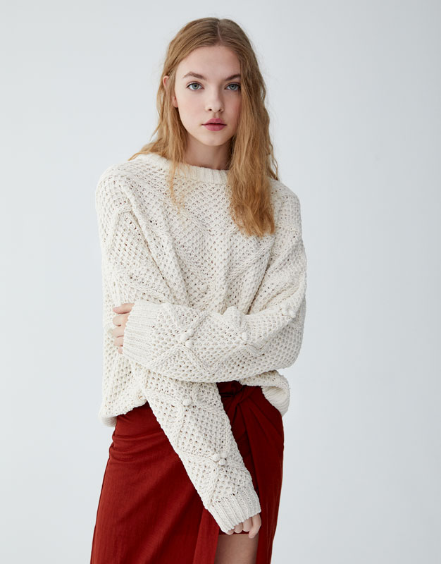 Chenille Pullover Mit Fantasieprint by Pull & Bear