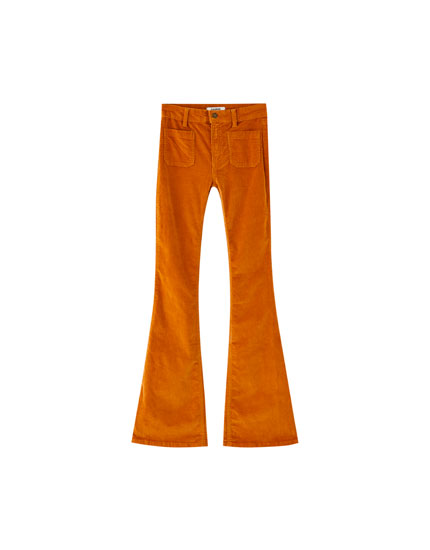 Pantaloni evazați din catifea cord cu buzunar