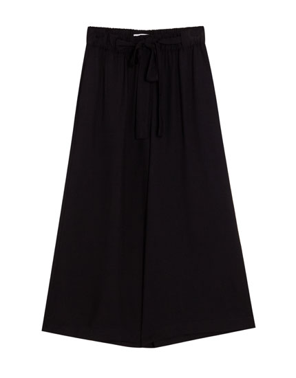 Basic culottes with tie detail