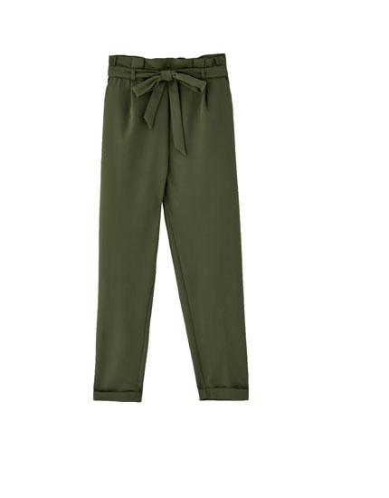 Spodnie paperbag w kolorze khaki