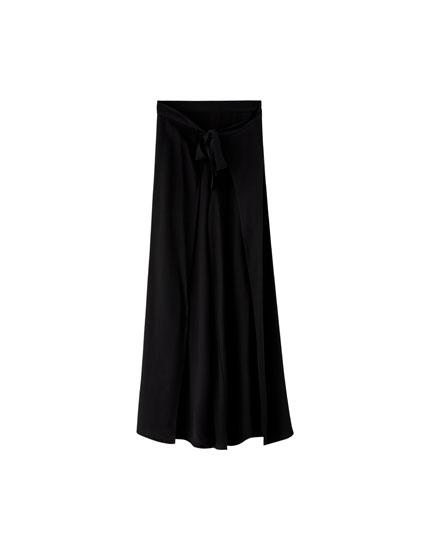 Pantaloni uni cu deschidere laterală