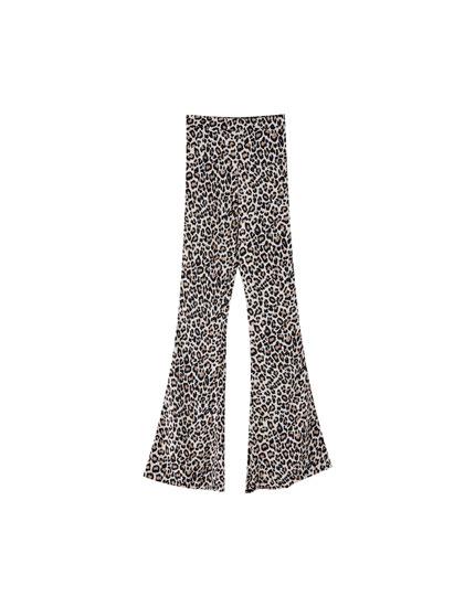Pantaloni cu print leopard