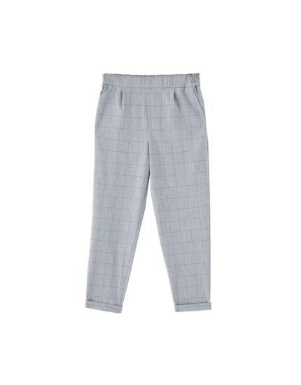 Spodnie joggersy w kratkę