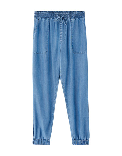 Plain jogging trousers
