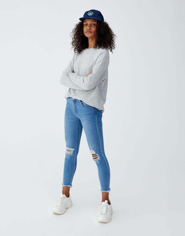 Mid Waist Skinny Capri Jeans by Pull & Bear