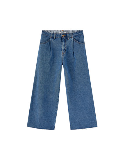 Mid-rise jeans with two darts