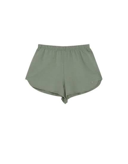 Basic coloured shorts