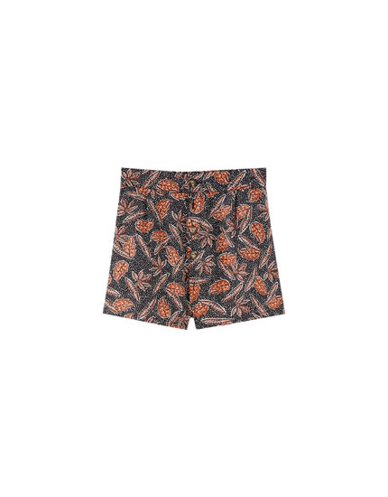 Shorts pinzas estampado