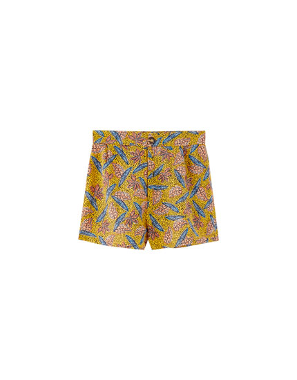 Printed shorts with darts