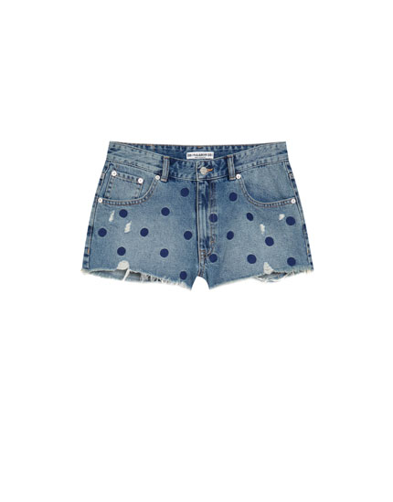 Mom fit denimshorts med polkaprikker