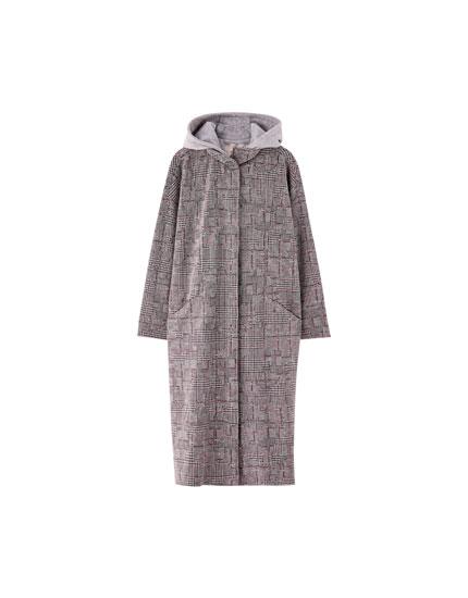 Abrigo de paño largo con capucha