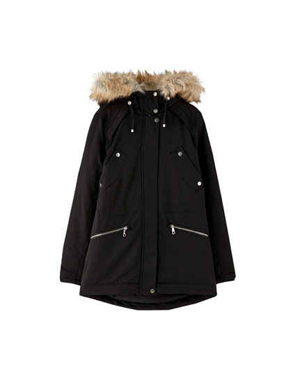 Short parka with faux fur hood