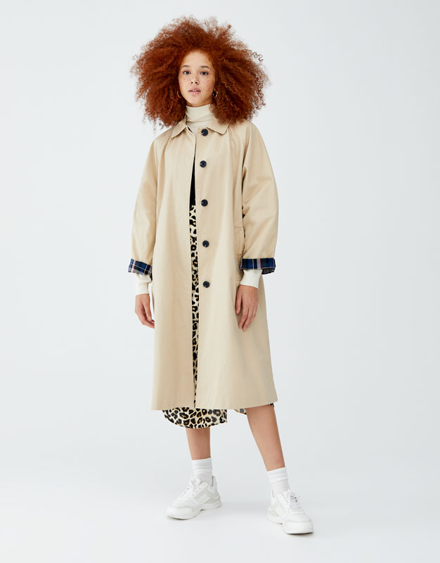 Trench Long Poignets Carreaux Contrastants by Pull & Bear