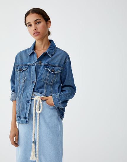 Jeansjacke oversize mit lochern