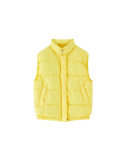 Chaleco acolchado amarillo