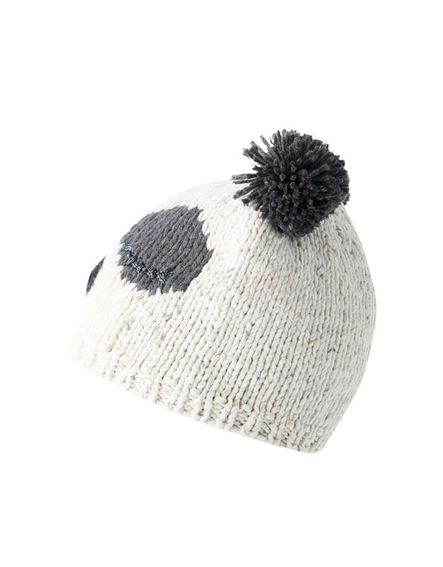 Panda bear knit hat - PULL BEAR ffc0cd0015c