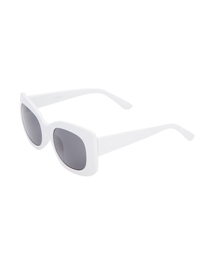 White square sunglasses