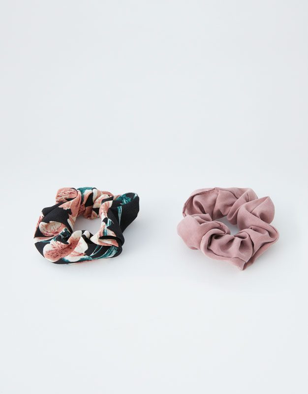 Scrunchy Pack by Pull & Bear