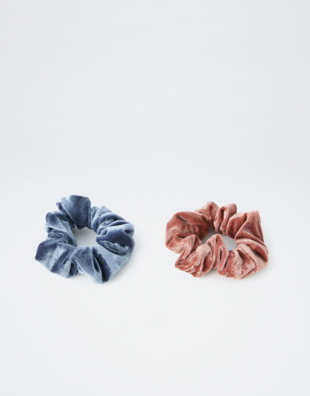 Velvet Scrunchies by Pull & Bear