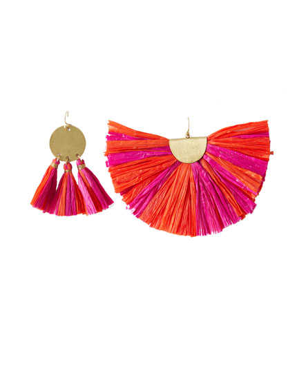 Mismatched raffia earrings