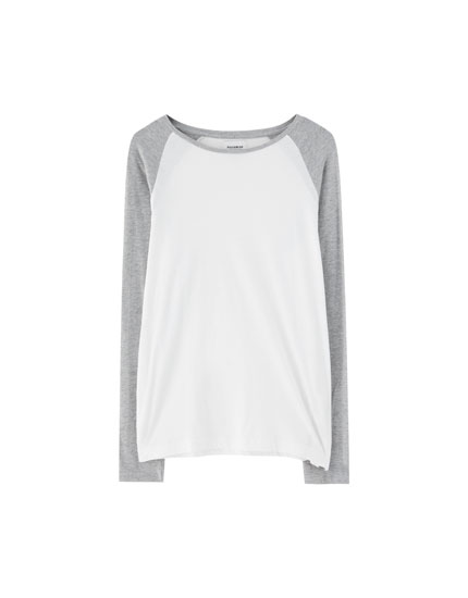 T-shirt with long raglan sleeves