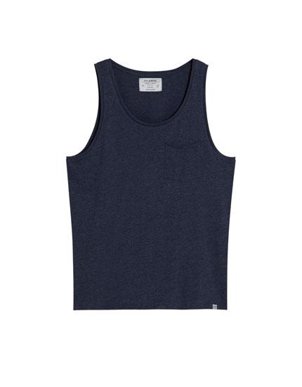 T-shirt de alças com bolso