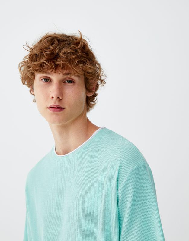 Pull & Bear - Camiseta con cuello en contraste - 1