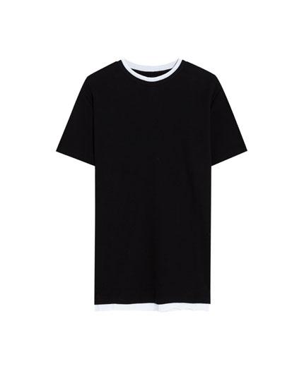 Camiseta con cuello en contraste