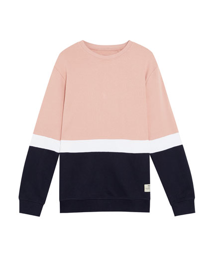 Leichtes, dreifarbiges Sweatshirt aus Baumwolle in Colorblock-Optik.