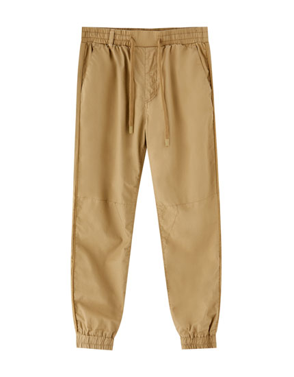 Jogging trousers in light colours
