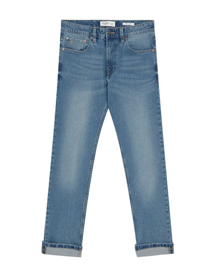 Regular comfort jeans in middenblauwe wassing