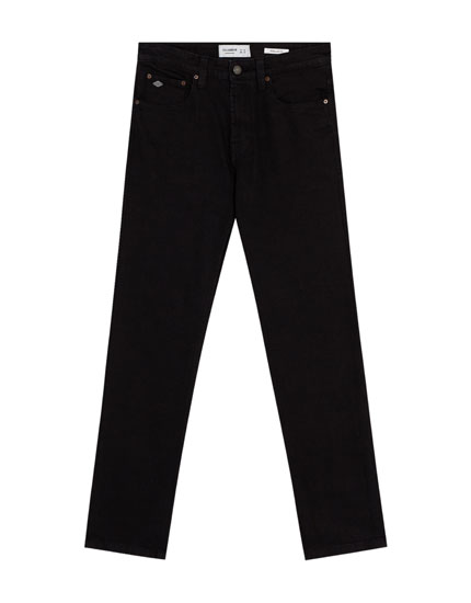 Jeans regular fit color negro